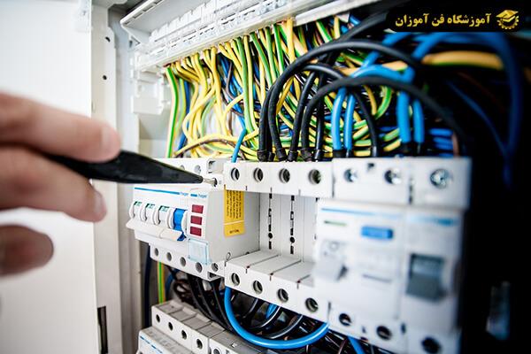 روش های افزایش درآمد در شغل برقکار ساختمان