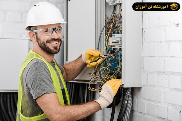 برقکار حرفه ای ساختمان