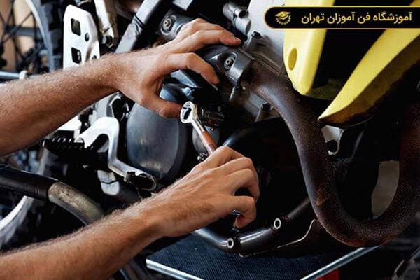 آموزش تعمیر موتور سیکلت درجه 2 و 1